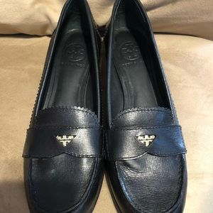 🌺Tory Burch Penny Loafers 👞 size 8.5